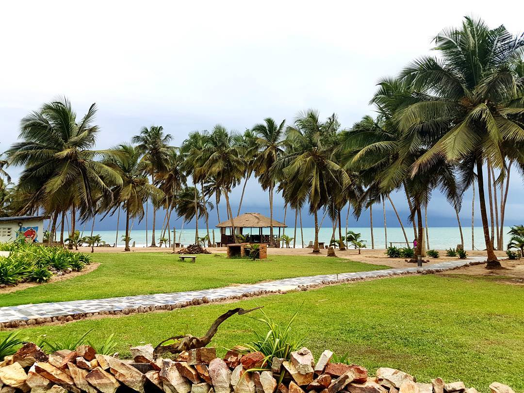 Example of fine weather in Ghana at Blue Diamond Beach
