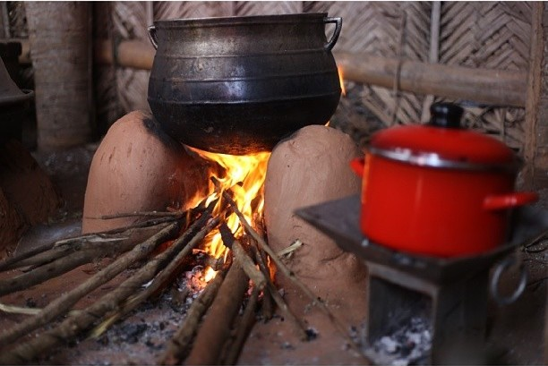 Mukyea, traditional tripod stove found in Ghanaian homes