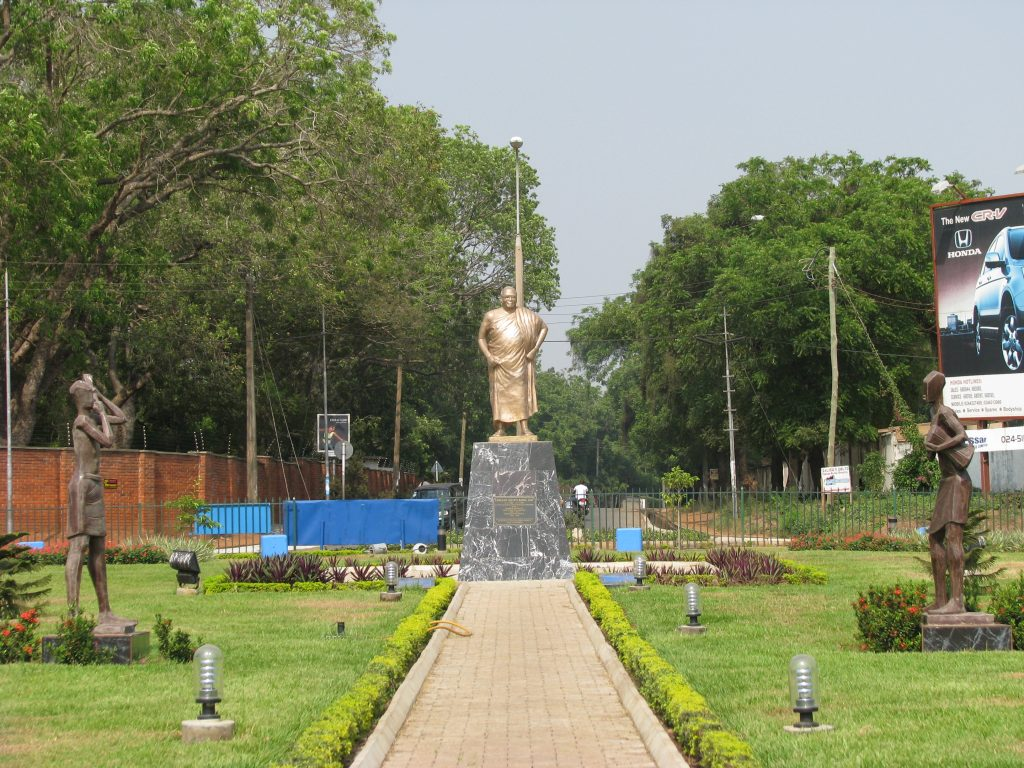 Akufo-Addo Circle, with statue of Edward Akuffo-Addo connecting four different Accra neighbourhoods