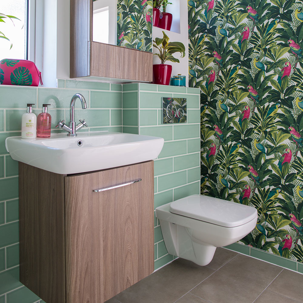 bathroom wallpaper for porcelain throne