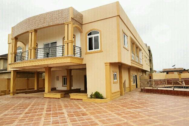 6 bedroom house for sale at airport hills 033307
