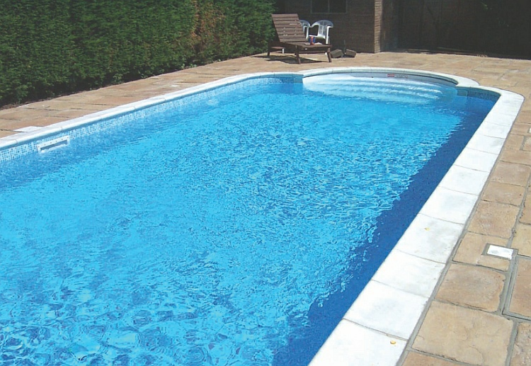 5 bedroom furnished apartment for rent at roman ridge 071111 for Swimming pool technician tools