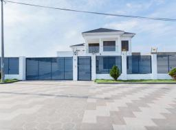 4 bedroom house for sale at Adjiriganor