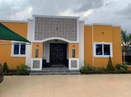 2 bedroom house for sale at Trasacco