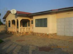 5 bedroom house for rent at Comm. 25 - Tema