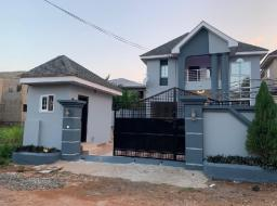 4 bedroom house for sale at Adjiringanor