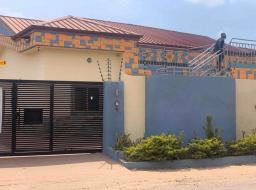 6 bedroom house for rent at Garden road ,East Legon