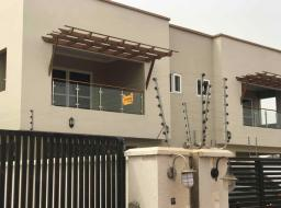4 bedroom house for rent at East Airpot