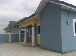 3 bedroom house for rent at Community 25