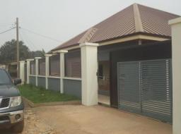 3 bedroom house for rent at Madina
