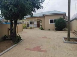 2 bedroom house for rent at Achimota