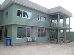 8 bedroom house for rent at Abelemkpe