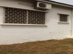 4 bedroom house for rent at Tesano