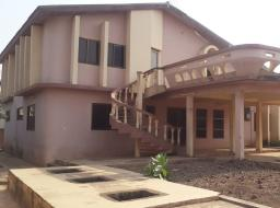 5 bedroom house for rent at Ofankor