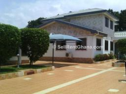 8 bedroom house for sale at Adjiringanor