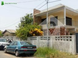 4 bedroom house for rent at Osu, Ako Adjei
