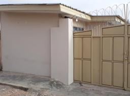 3 bedroom house for rent at Tema Community 11 Station