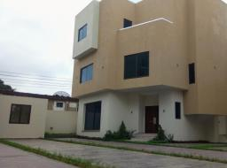 4 bedroom townhouse for rent at Airport Area