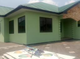 3 bedroom house for rent at Tema