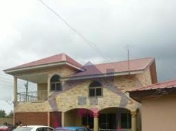 5 bedroom house for sale at Pobiman