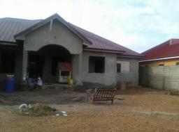 5 room . Uncompleted for sale at New Ogbojo