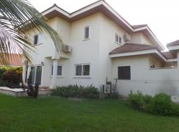 5 bedroom house for rent at Trassacco