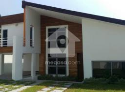 4 bedroom house for sale at Parakuo Estates
