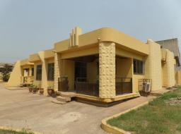 5 bedroom house for sale at Lapaz