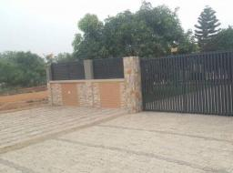 5 bedroom house for sale at Michel camp-Tema