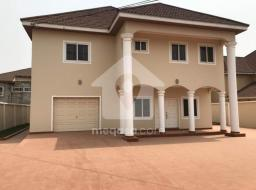 4 bedroom house for sale at Near Trasacco