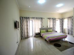 3 bedroom townhouse for rent at West Airport