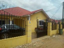 2 bedroom house for rent at Oyarifa