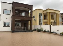 4 bedroom house for sale at 4 bedrooms duplex hse for sale, A&C mall