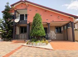 4 bedroom house for sale at West hills mall