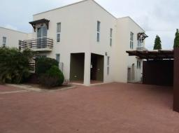 4 bedroom house for sale at Location:East La - close to La beach hotel