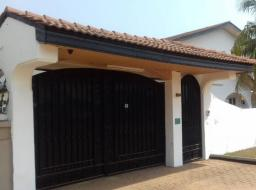 8 bedroom house for rent at Achimota