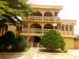 10 bedroom house for sale at Madina