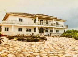 6 bedroom house for sale at Brekuso