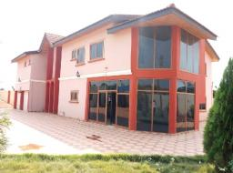 7 bedroom house for sale at Ashongman Estate