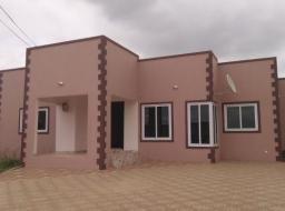 3 bedroom house for rent at Lakeside Estate