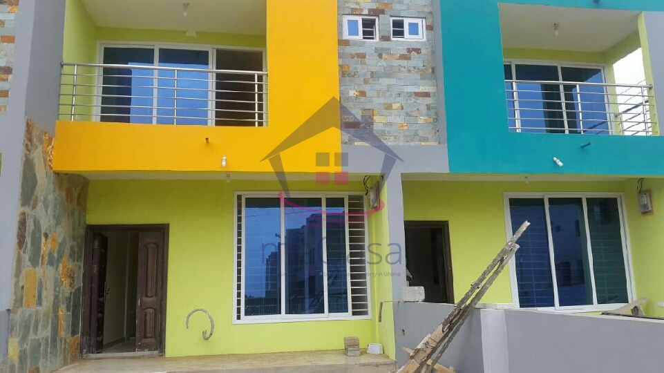 2 bedroom house for rent at East legon hills
