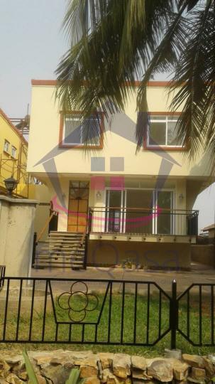 4 bedroom townhouse for rent at East Airport