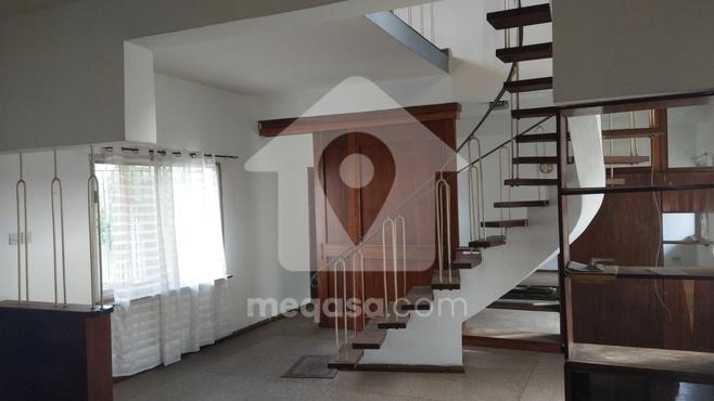 4 Bedroom For Rent at North Dzorwulu Photo