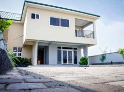 5 bedroom semi-detached house for sale at Tema, Ghana