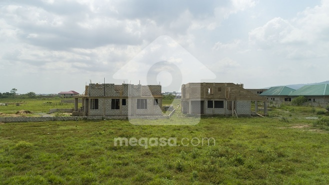 Land For Sale in Oyarifa Photo