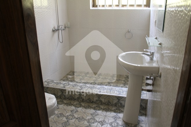 Newly Built 6 Bedroom  House To Let Photo
