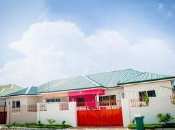 2 bedroom semi-detached house for sale in Tema