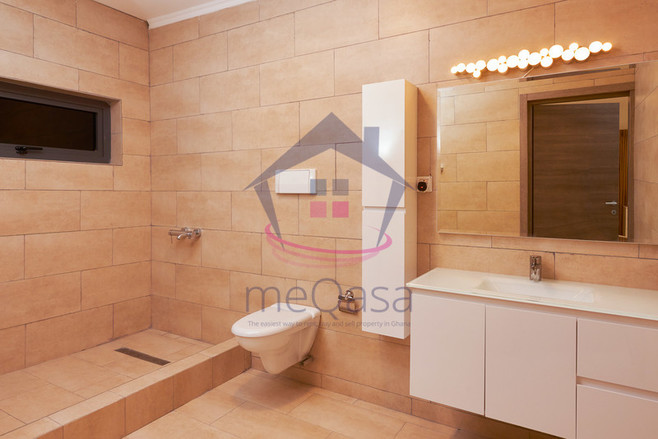 5 Bedroom Town House For Sale In Adenta Unit Details Meqasa