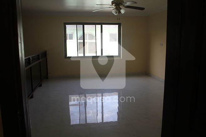 3 Bedroom Self Compound To Let. Photo