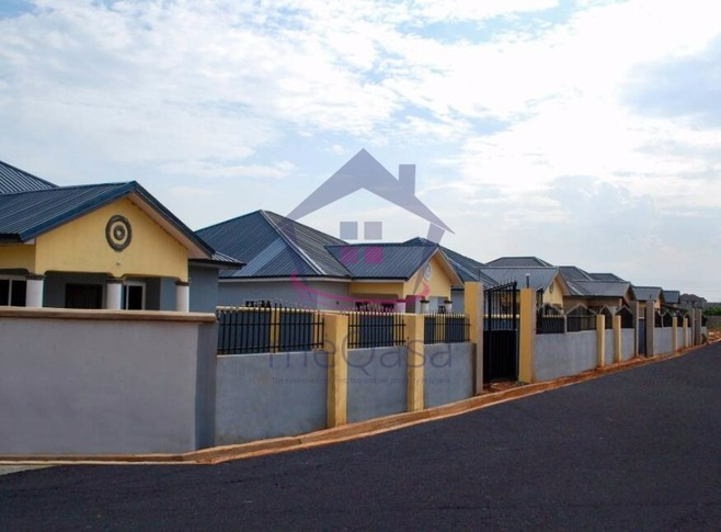 3 Bedroom Detached House For Sale in Tema Photo